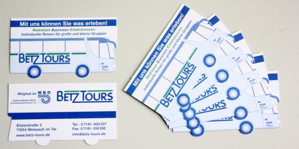 Formgestanzte Visitenkarten